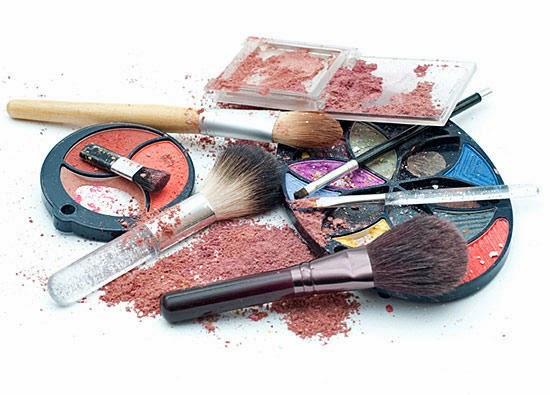 Messy makeup