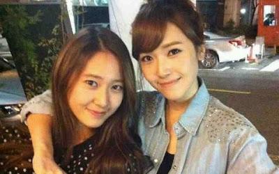 Foto Kemesraan Jessica SNSD dan Krystal F(x) Terbaru 2