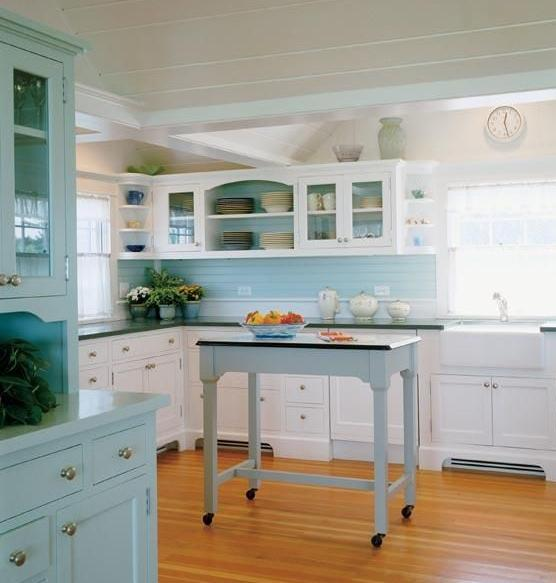 Something blond blue kitchens for Beach house kitchen ideas