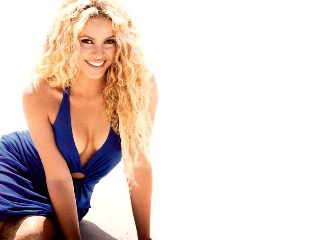 http://1.bp.blogspot.com/-1K7MPRr6tTI/Tx-FQ9JvGcI/AAAAAAAAEdw/8mebEdJHgfM/s1600/Shakira+wallpaper+%252803%2529.jpg