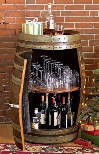 Icono interiorismo 12 ideas para decorar con barricas de vino for Ideas para decorar un bar rustico