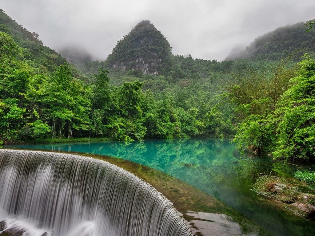 """<img src=""""1.bp.blogspot.com/-1KoyD0bghTo/Ut5NM_DODII/AAAAAAAAJjs/HDZaSEb2xJc/s1600/beautiful-jungle-waterfall.jpeg"""" alt=""""beautiful jungle waterfalls"""" />"""