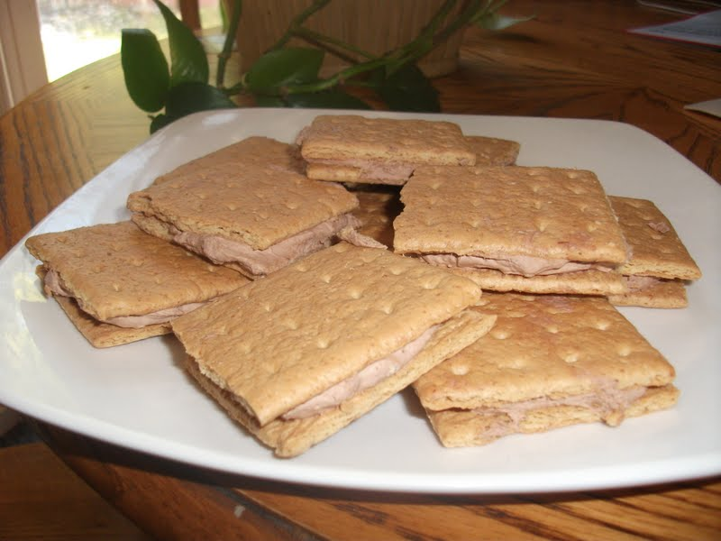 Recipe Reviews with Jen: Graham Cracker Pudding Sandwiches