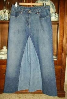 http://manualidadesreciclables.com/15686/hacer-una-falda-de-un-vaquero-reciclado
