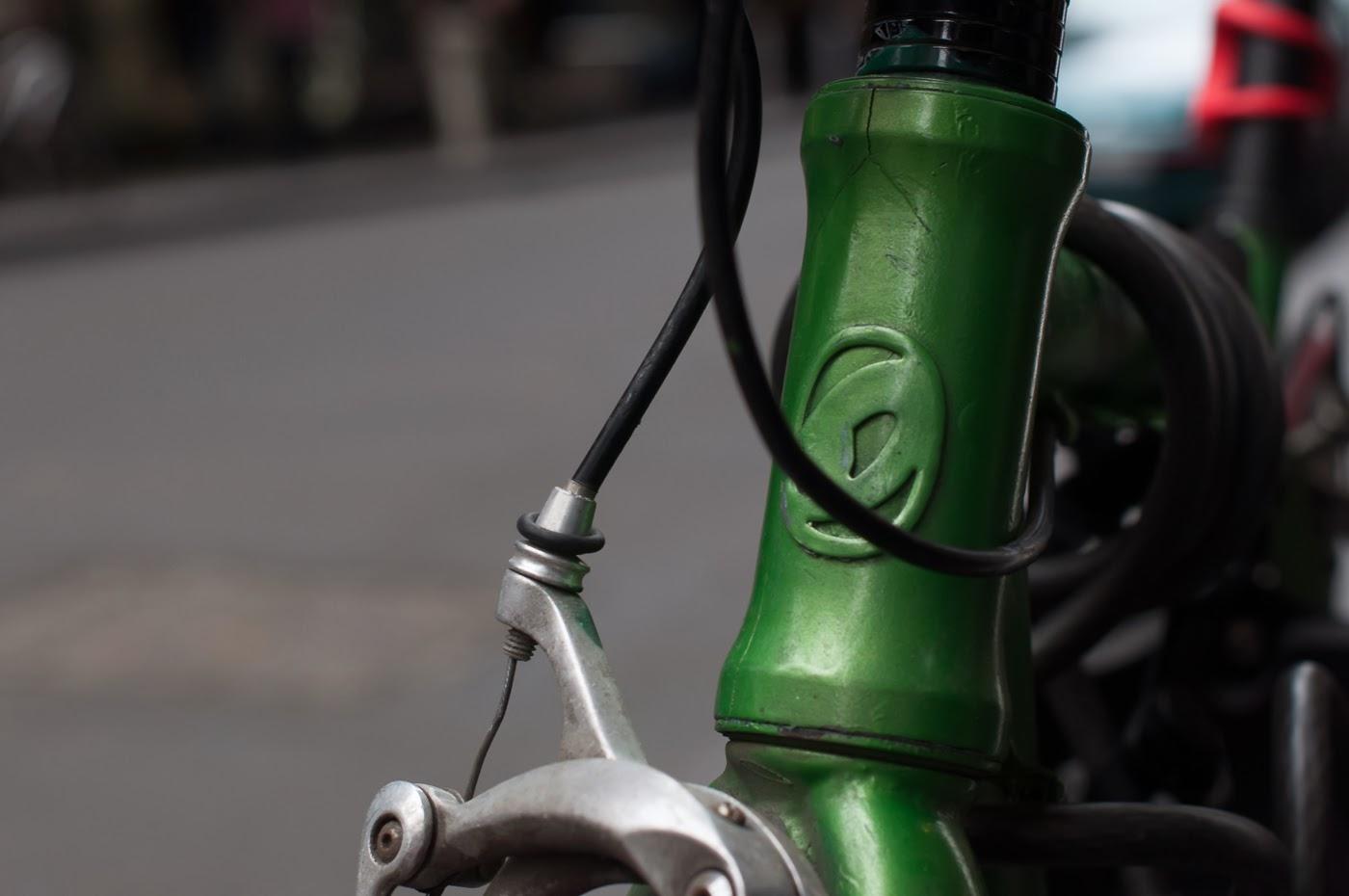 single speed, bike, bicycle, tim macauley, the biketorialist, melbourne, conversion, chain, tensioner road bike, head badge, logo