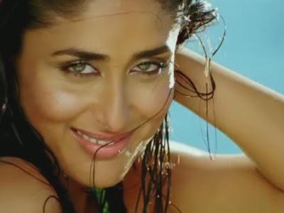 små og hårete Karena Kapoor sexy video