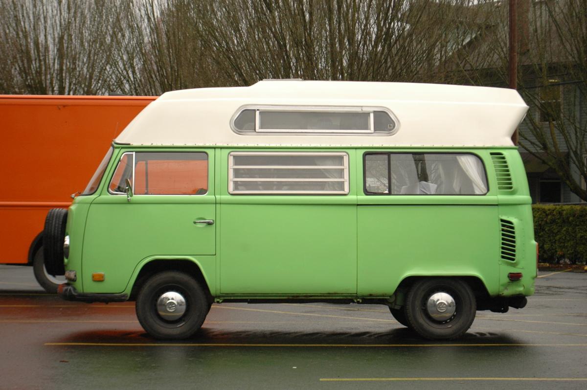 1973-Volkswagen-Type-2-Transporter-Minibus-Van-Adventurewagen.%2B-%2B04.jpg