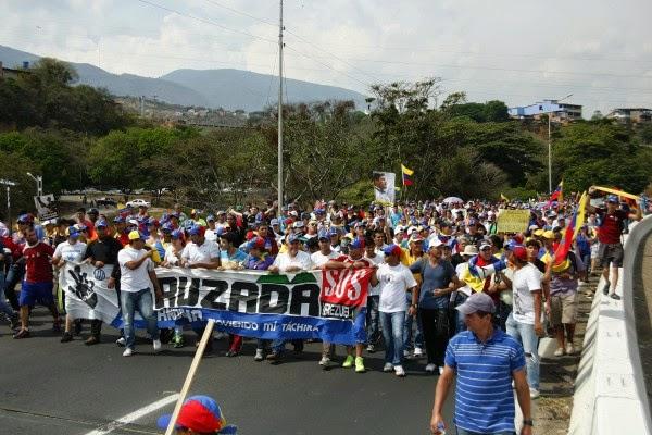 Caminan 150 kilómetros desde La Tendida para llegar en Cruzada Andina a San Cristóbal