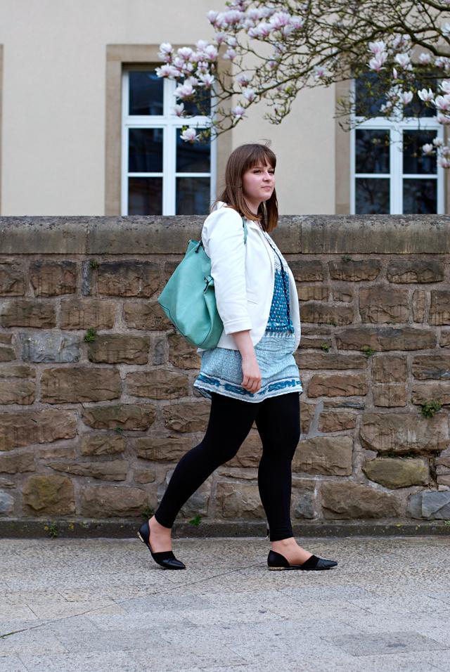 OOTD blue Zara print tunic white blazer