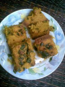 healthy fiber rich handvo recipe | a baked savory lentil cake