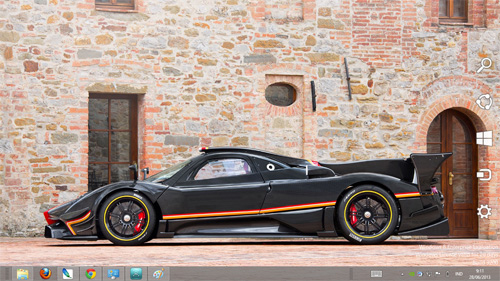 Pagani Zonda Revolution Theme For Windows 7 And 8