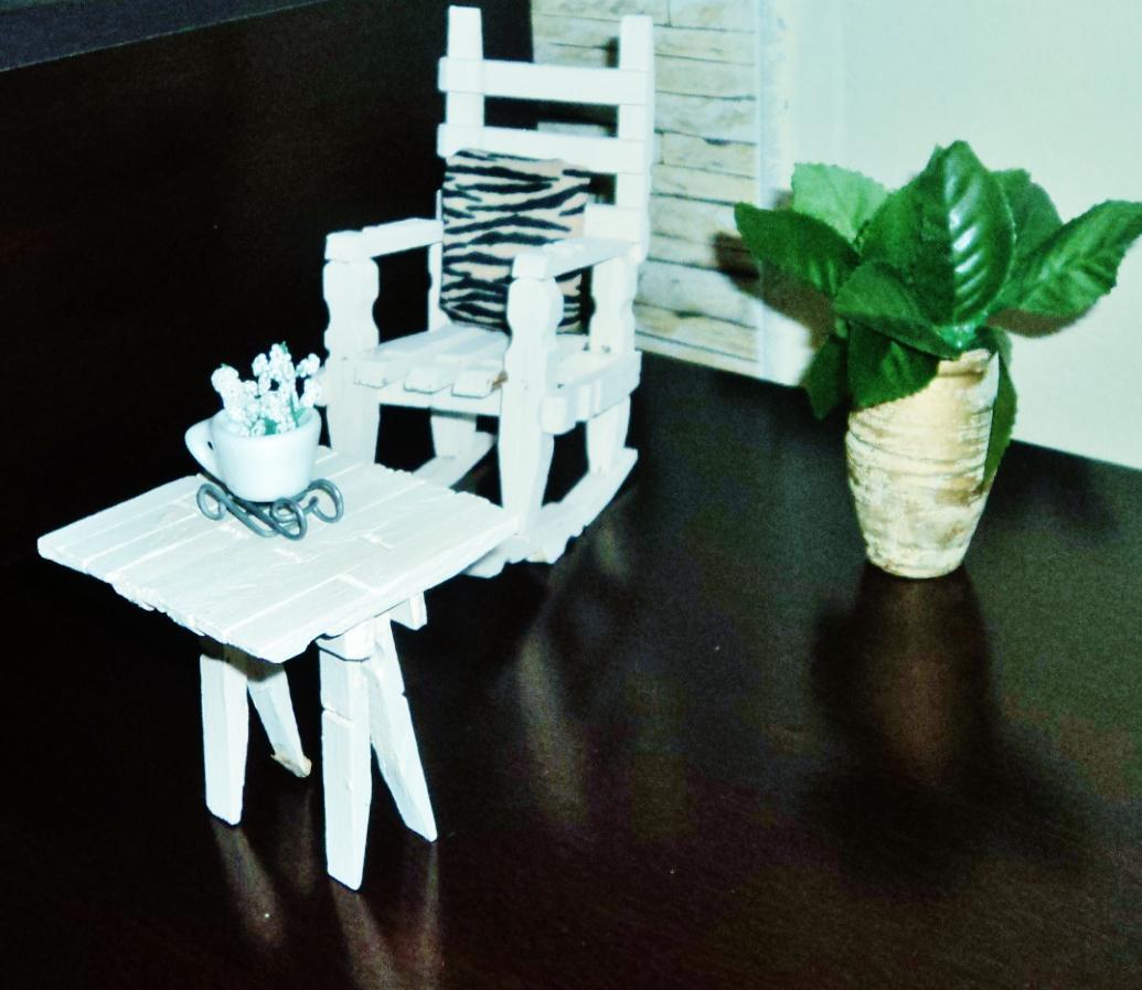 #21732D Su Falcão: Garrafinha com poá e Cadeirinha de pregador 1035x897 px cadeira de balanço com pregador @ bernauer.info Móveis Antigos Novos E Usados Online