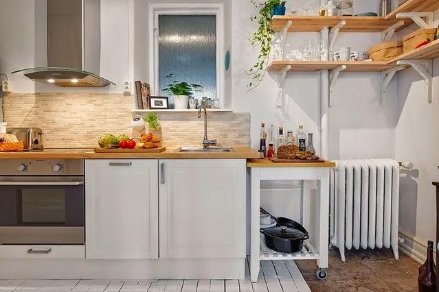 cuando piensas en una cocina pequea pienses en un espacio de trabajo apretado una mesada pequea y apenas tener espacio para lo esencia