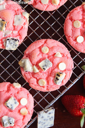 Strawberry Cookies 'n Cream Cookies