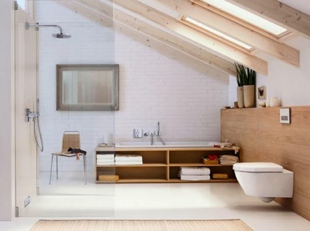 Des combles aménagés en salle de bain : les astuces. | Bricorenov