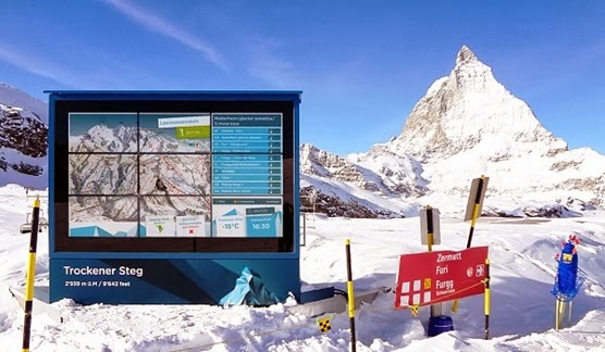 Sports enthusiasts of Valais ski resort will be informed of the dangers of avalanche or temperatures with large screens installed on the slopes.