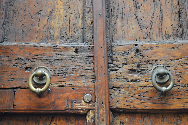 architectural details, architecture, doors, hardware, Italy, My Travels, Rome, travel, old doors, Roman
