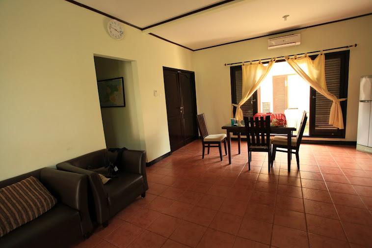 Ruang tamu &  Type kamar -/+  semuanya sama