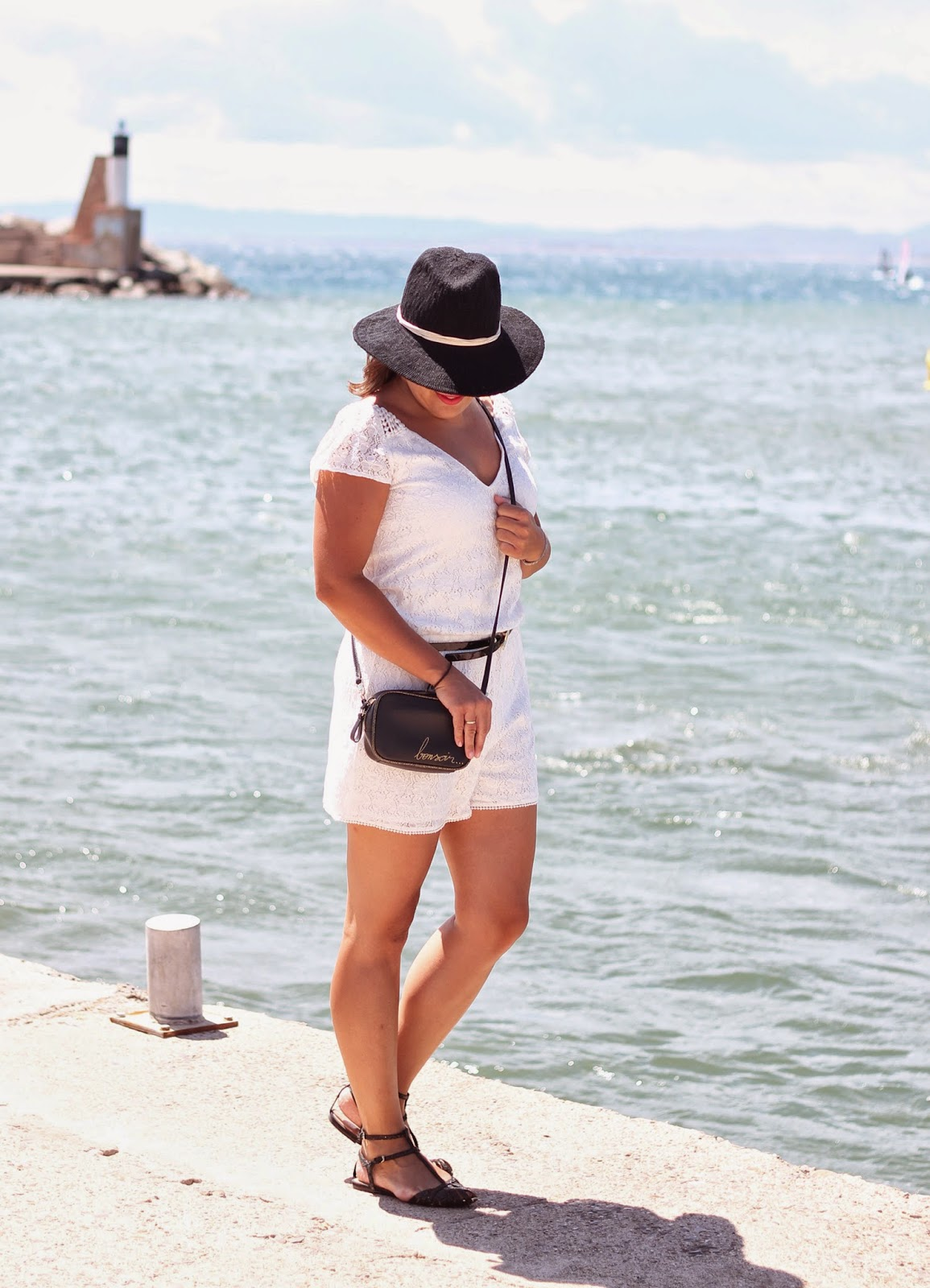photo-lace-white_jumpsuit-zara-black-hat-summer-look-street_style