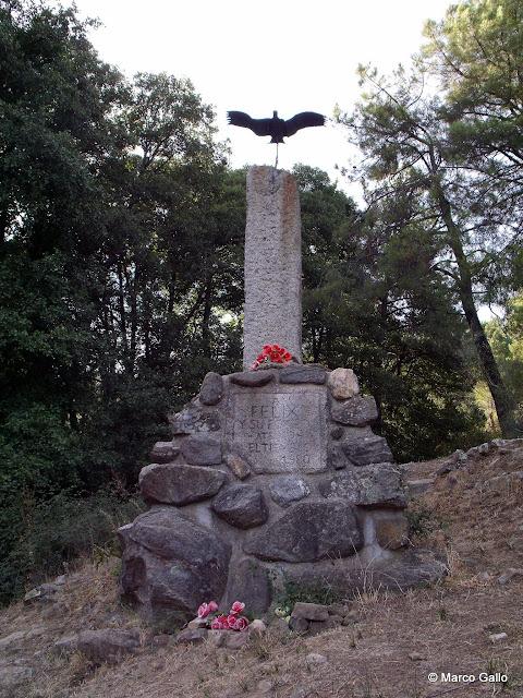 Monumento a Félix Rodríguez de la Fuente.
