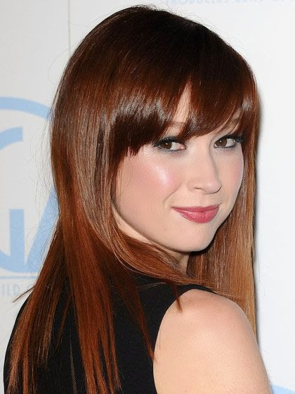 Ellie Kemper chestnut red hair