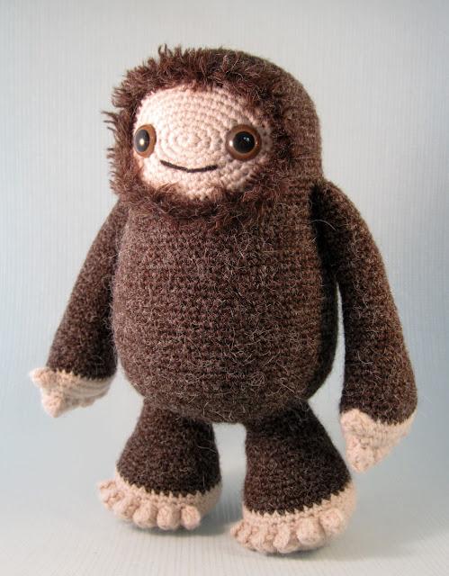 Amigurumi Bigfoot Bear : LucyRavenscar - Crochet Creatures: Yeti and Bigfoot ...