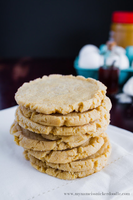 I want these Peanut Butter Cookies!  The recipes is super easy!  |  mynameissnickerdoodle.com