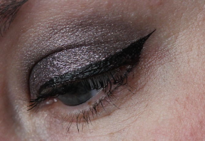 Giorgio armani eyes to kill eye shadow in no.3 on the eye lid