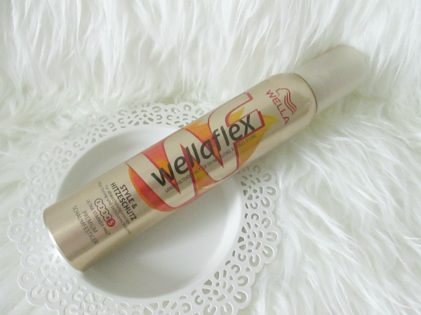 dm Lieblinge Box November 2014 - Wellaflex Style & Hitzeschutz Schaumfestiger - 200 ml - 1,75 €
