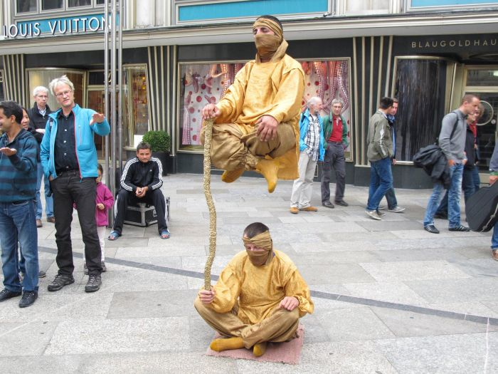 Levitating People ~ Damn Cool Pictures