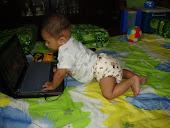 Bila anak sudah celik teknologi..hehe