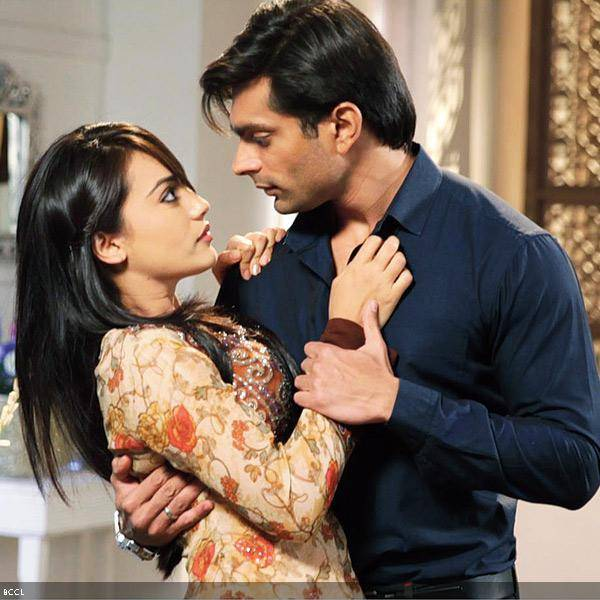 Asad & Zoya Couple HD Wallpapers Free Download