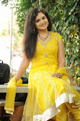 New Actress Noorjahan Photos in Yellow-thumbnail-11