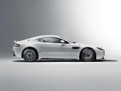 2011 Aston Martin Vantage GT4 Wallpaper