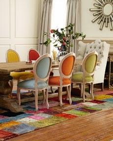 Comedor con sillas de colores El Taller de la Brocha y el Pincel