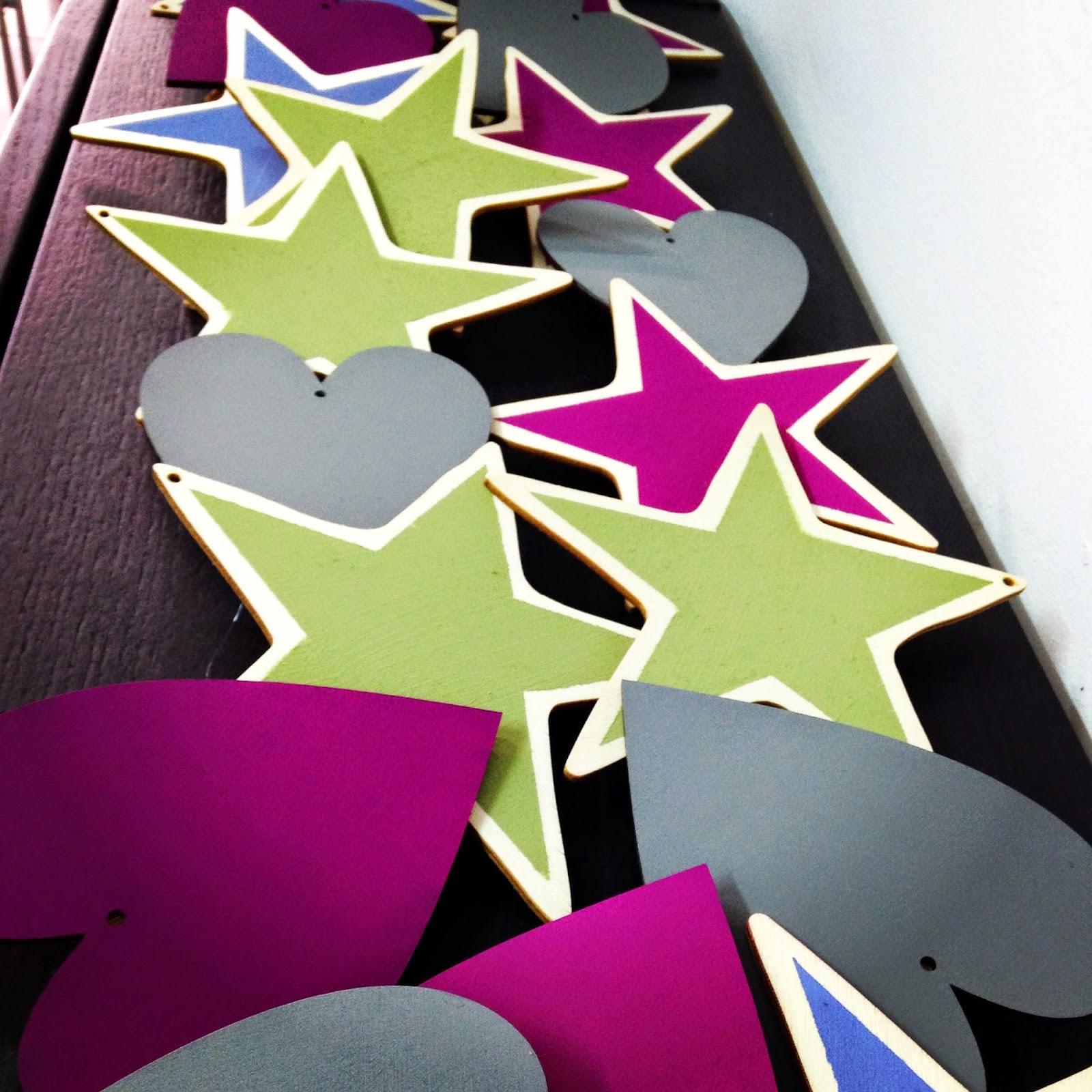 detalle para las asistentes al workshop, estrellas pintadas con chalkpaint