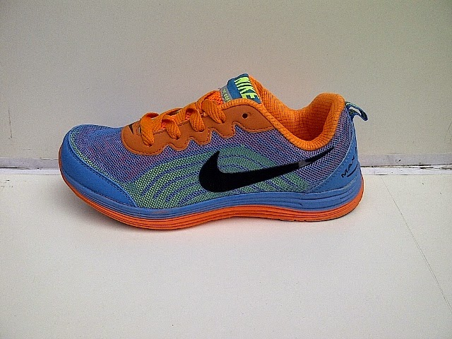 sepatu Nike Free 50 berbobot