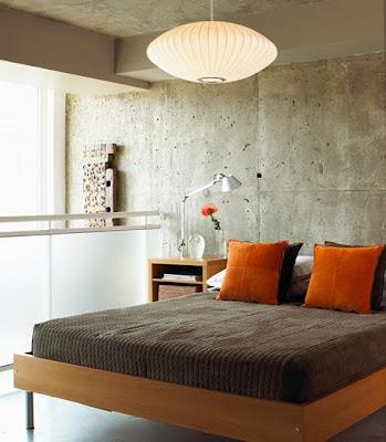 quarto de casal cinza e laranja parede com cimentício