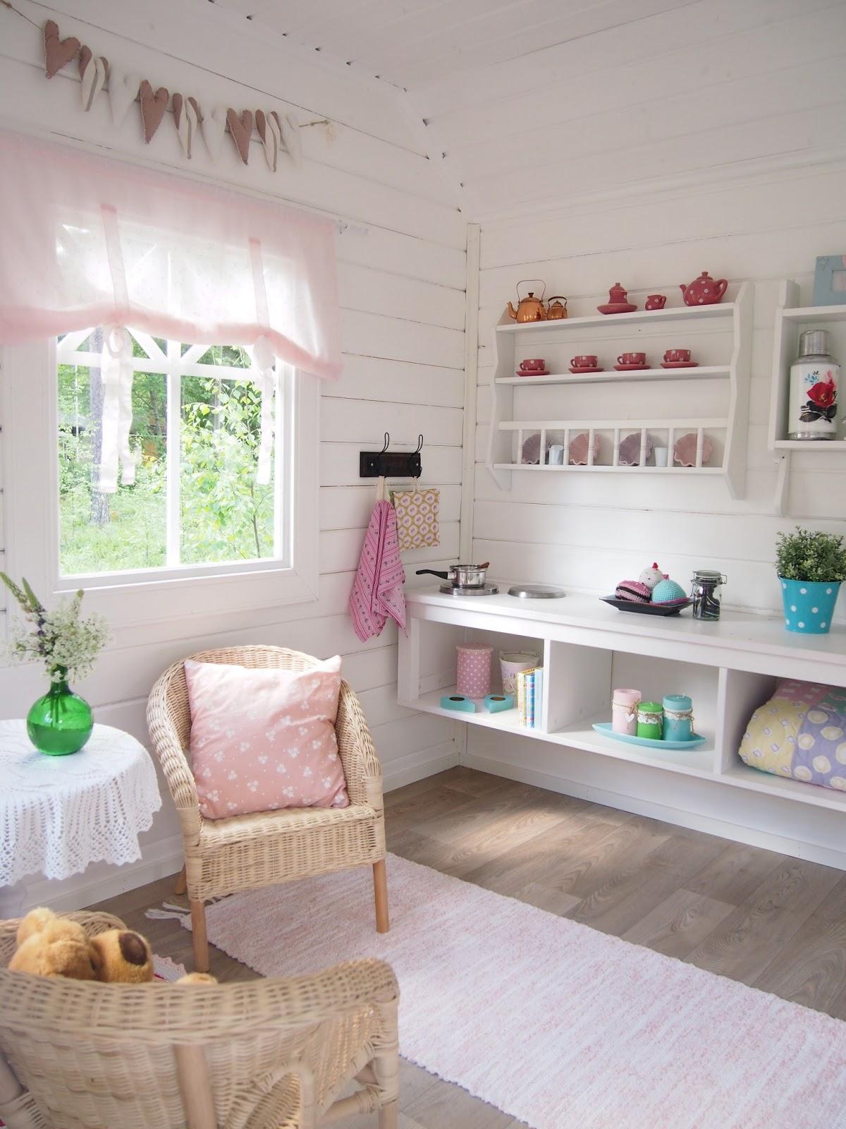 Villa vallaton leikkim kiss for Wendy house ideas inside