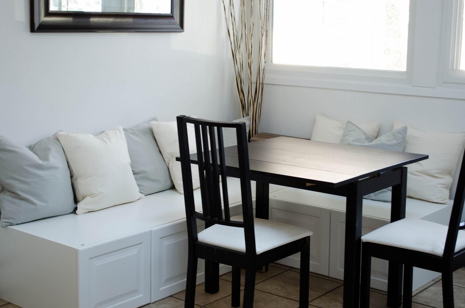 Laura larae 39 s luxuries diy kitchen nook for Ikea breakfast nook set