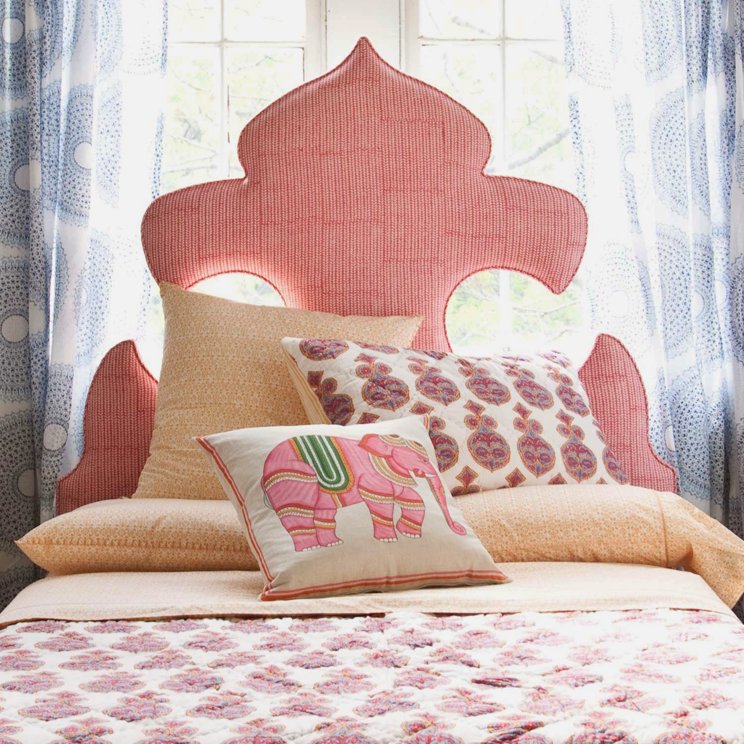 Hildreth 39 s home goods simple ways to decorate your bedroom for Ways to decorate your bedroom