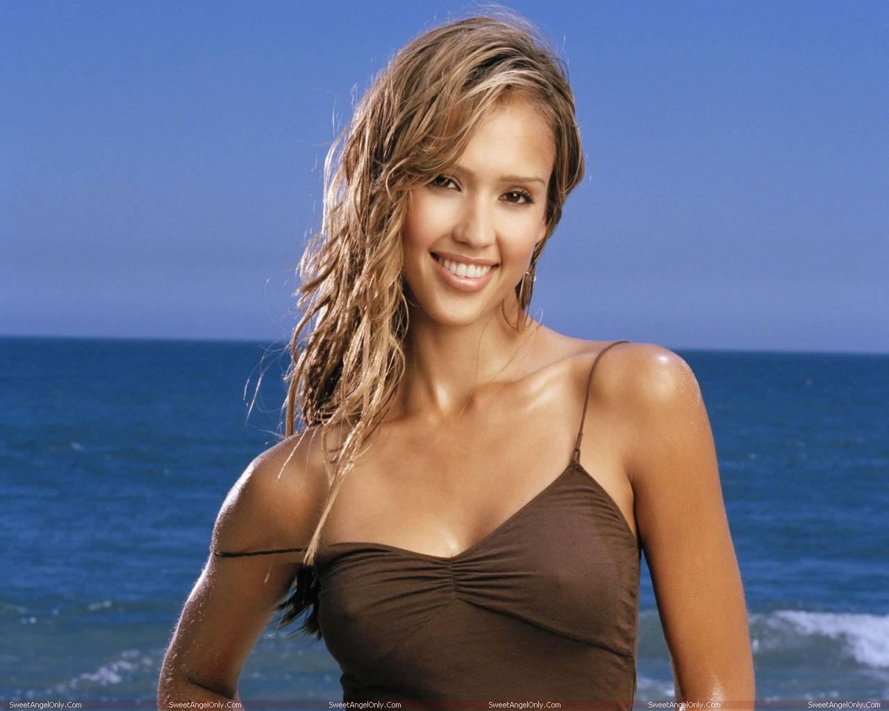 http://1.bp.blogspot.com/-1P9CIdvkW6Y/TXFBDObBreI/AAAAAAAAE6M/VF0xLm_qWKw/s1600/jessica_alba_hollywood_hot_actress_wallpaper_03.jpg