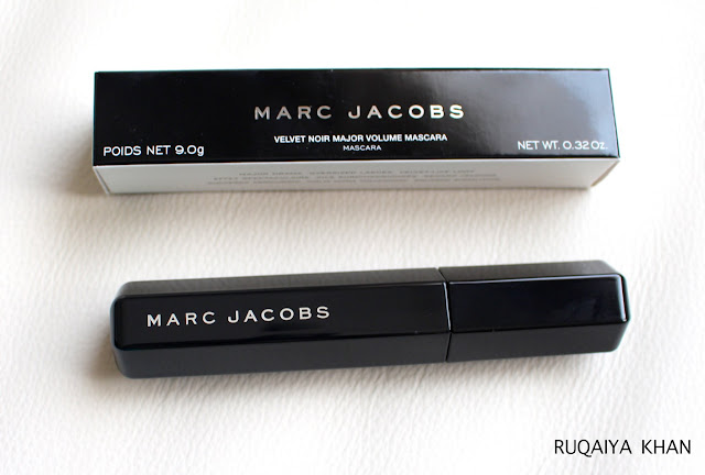 MARC JACOBS Velvet Noir Mascara Review and Swatches