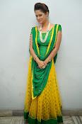 Shilpa chakravarthy sizzling photos-thumbnail-18