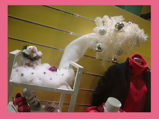 Escaparate de Navidad en la tienda de Deportes Caiño, foto 2