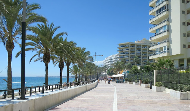 Marbella Summer Holiday View Walk Way Prom Sea Sun