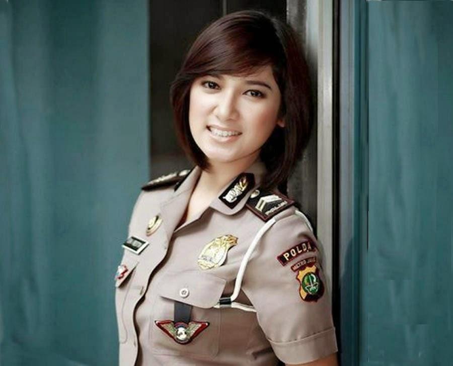 foto polisi cantik indonesia menjadi polisi tercantik di