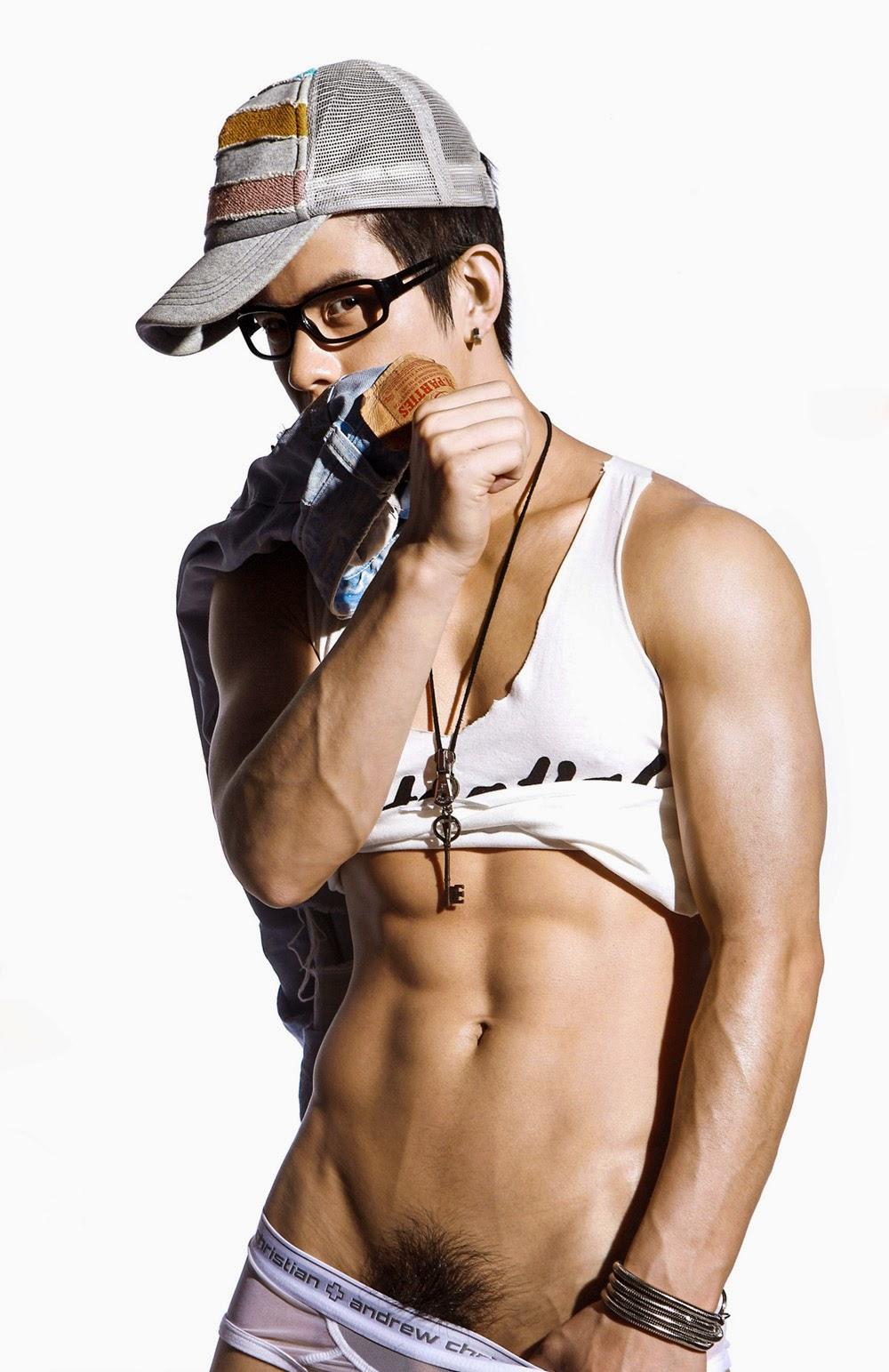http://gayasiancollection.com/hot-asian-boys-chinese-acrobat/