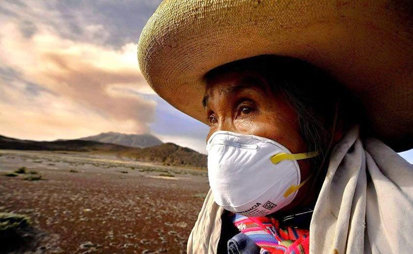 EVACUAN EN PERU A 4 MIL PERSONAS AFECTADAS POR LA ERUPCION DEL VOLCAN UBINAS, 17 DE ABRIL 2014