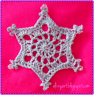http://elizyart.blogspot.com.es/2013/11/snowflakes-and-spindles.html